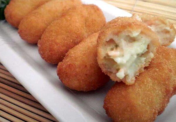 Croquetas de Setas y Pollo (chicken/mushroom croquettes)