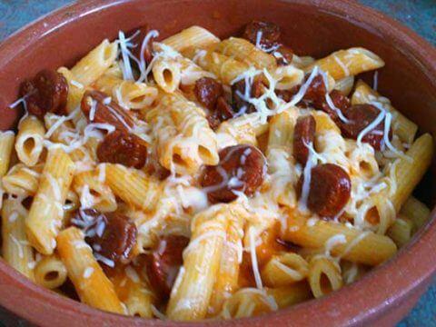 Pasta with chorizo catering