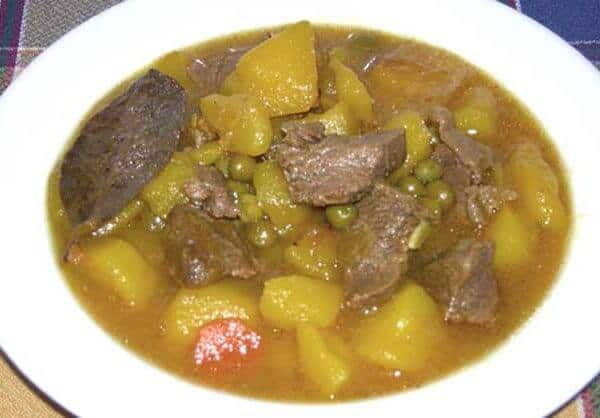Patatas guisadas con carne (potato and beef stew)