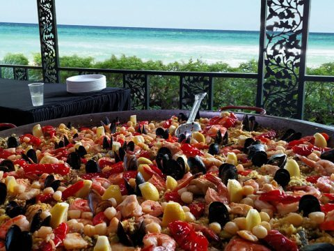 Real Paella Catering at the beach