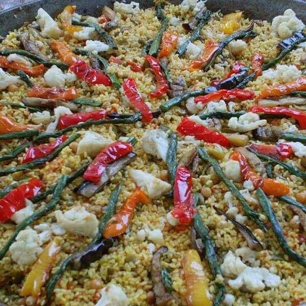 Vegan Paella (Paella Vegetal)